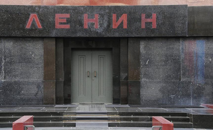 В Москве мужчина пытался оживить Ленина оливковым маслом