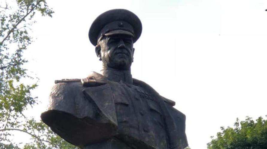 В Харькове восстановили бюст маршала Жукова, который повалили националисты