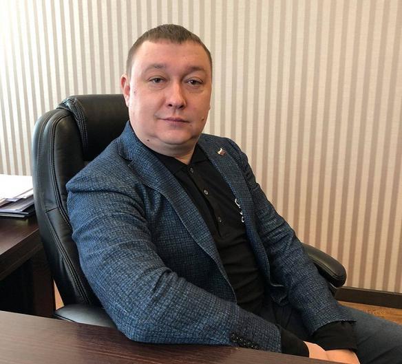 мигрантов, Ярослав Нилов: «Сотрудничать с мигрантами проще и выгоднее не для страны, а для отдельных чиновников»