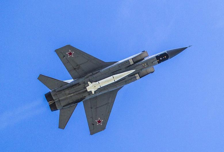 МиГ-31 и «Кинжал»