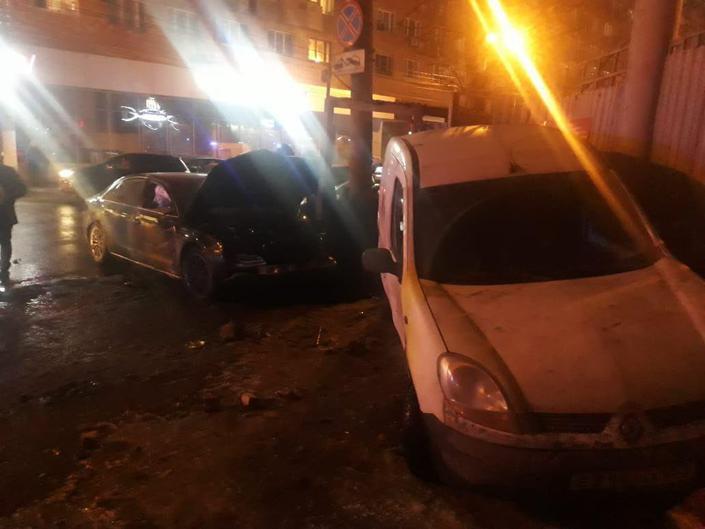 Автомобиль врезался в школьников в Нижнем Новгороде