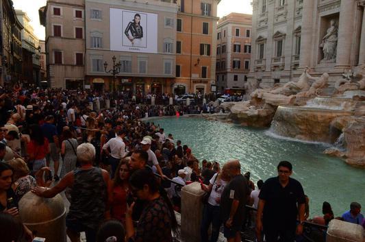 Фонтан Треви в Риме до карантина