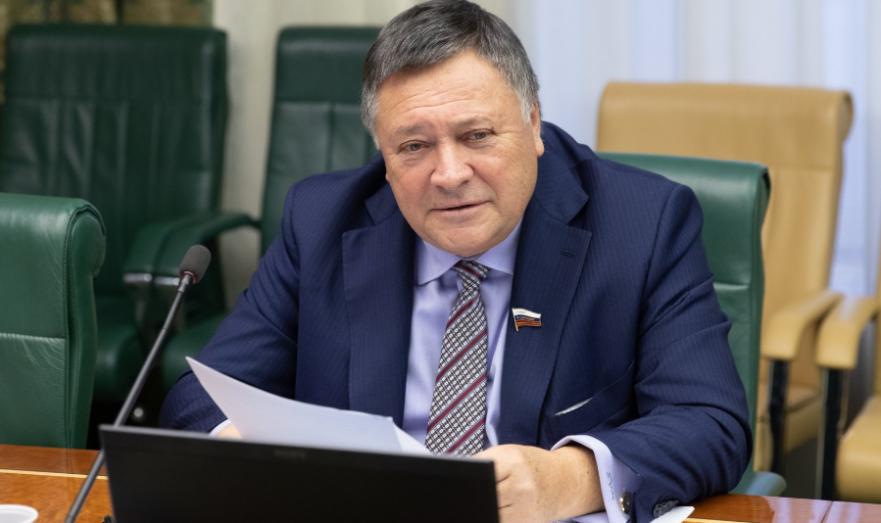 Сенатор Сергей Калашников