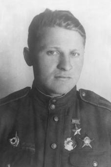 Иван Лапшов
