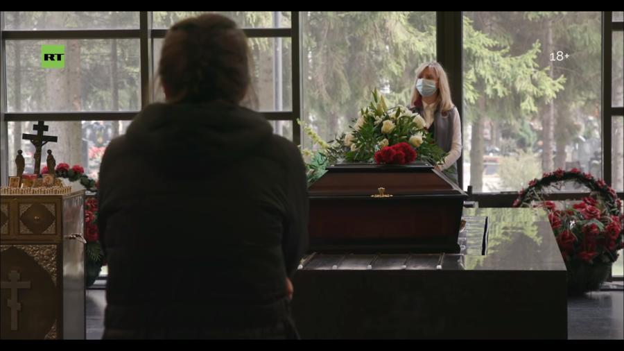 ритуальной, Кто в мешке, засыпанном хлорной известью? Руководитель ритуальной службы рассказал о похоронах умерших от COVID