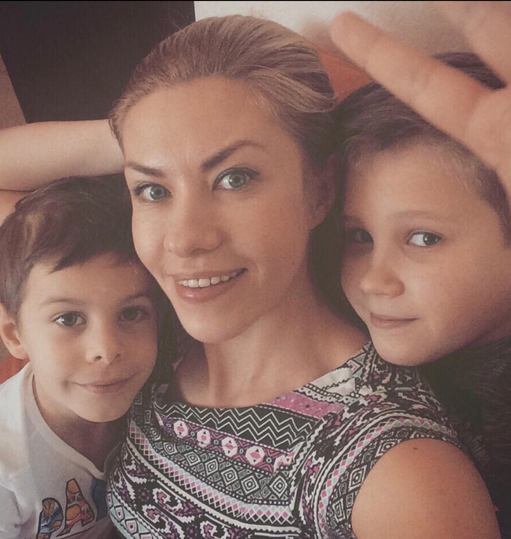 Ольга Тимощук с детьми