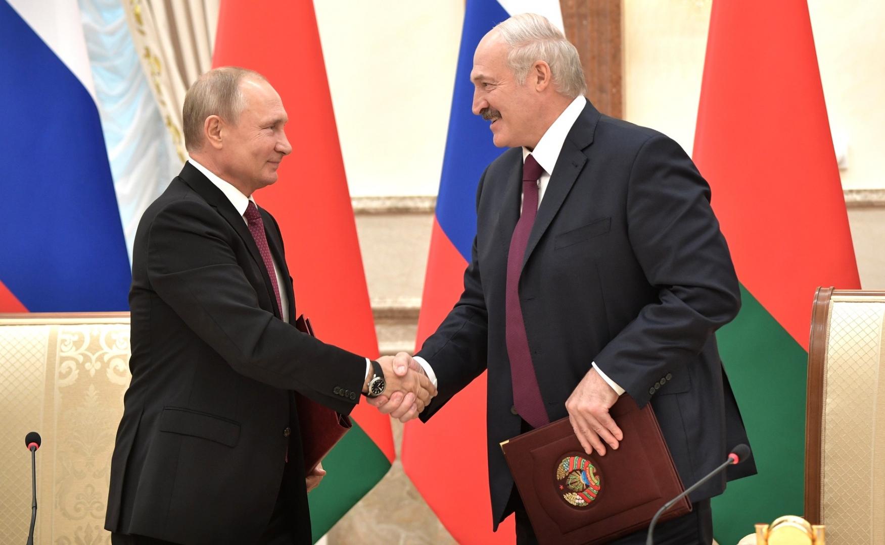 Лукашенко о слиянии РФ и Беларуси: глупо работать в этом направлении