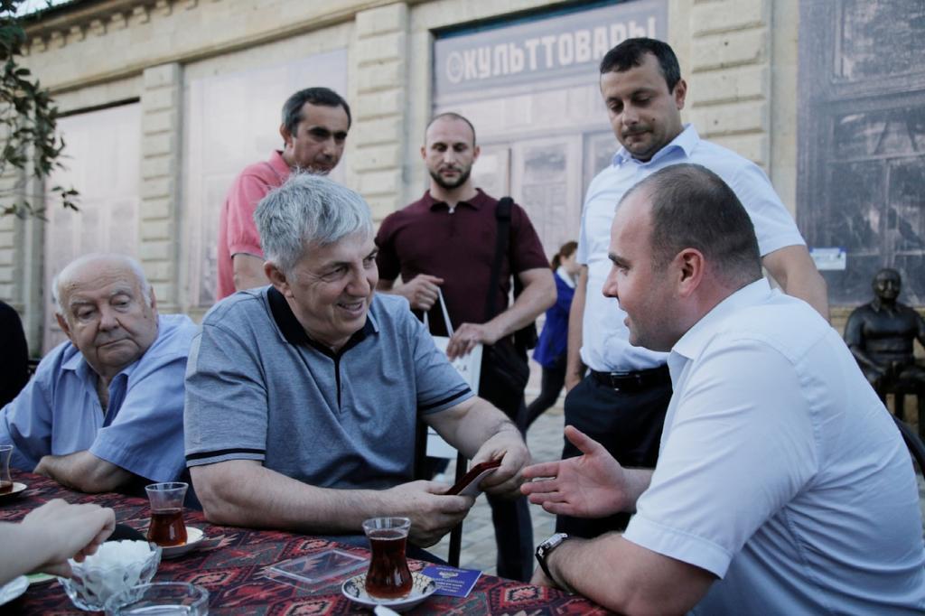 суровое, Мэр Дербента должен быть оштрафован за массовое празднование юбилея – Онищенко