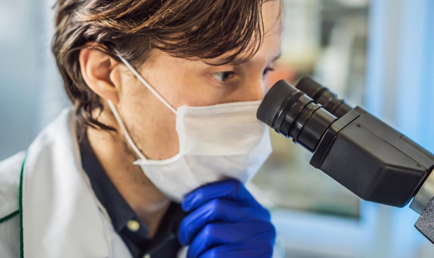 Медики фиксируют повторные заболевания коронавирусом