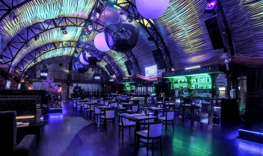 Работа официант в ночных клубах москвы москва мужчины клубы