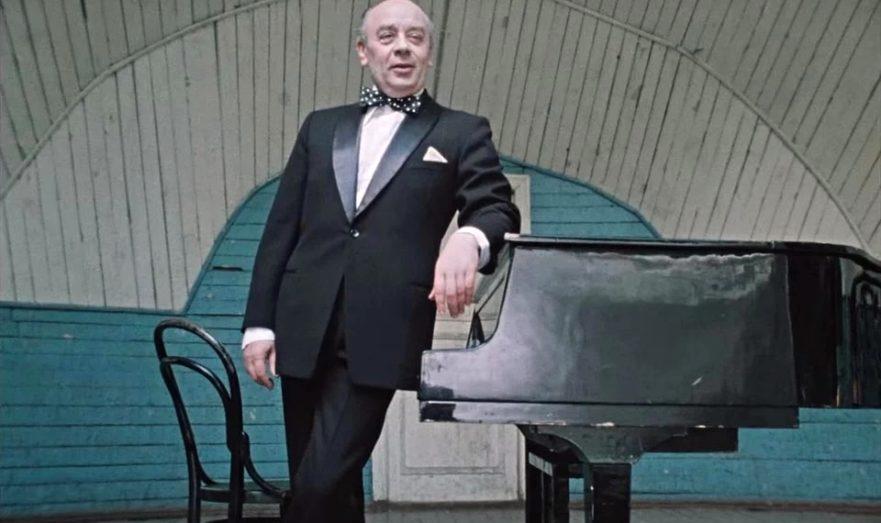 Аркадий Велюров