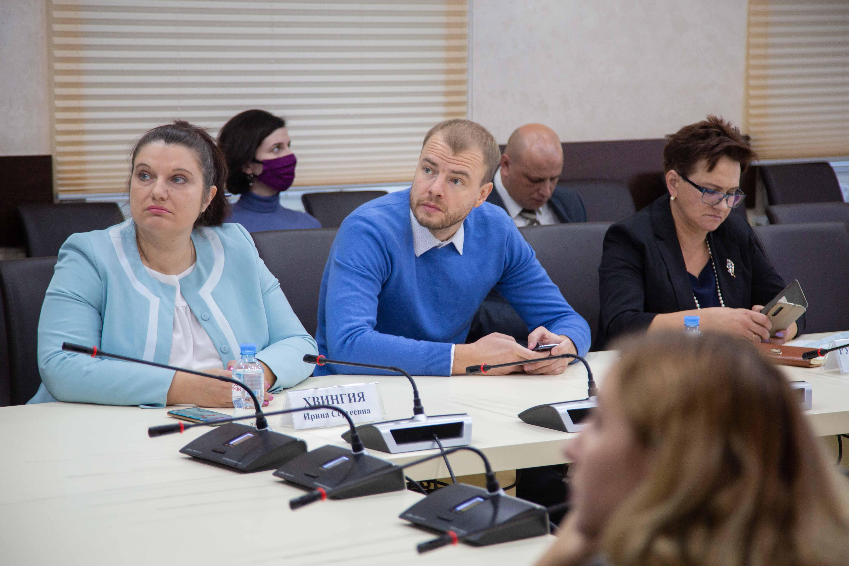 Участники круглого стола «Общественный контроль за соблюдением прав детей»
