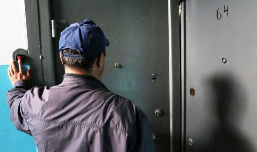 Оштрафуют даже за кондиционер: юрист объяснила последствия проверок квартир