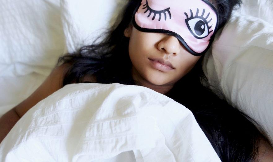 О чем говорят взмахи руками во сне
