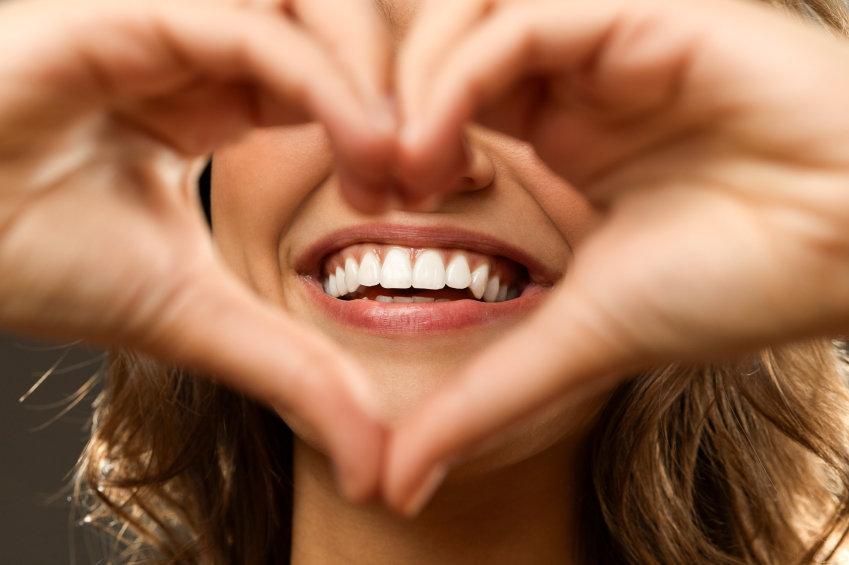 Как распознается фальшивая улыбка